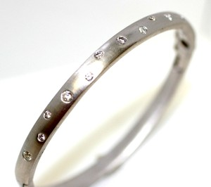 25.62 Grams Holidy Gift White Gold Bangle