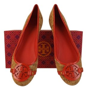 Tory Burch natural Flats