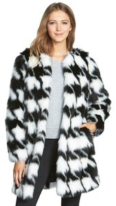 Michael Kors Mk Mf42g6oouh Houndstooth Winter Fur Coat