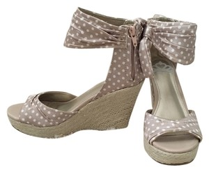 Fergalicious by Fergie Taupe and white Wedges