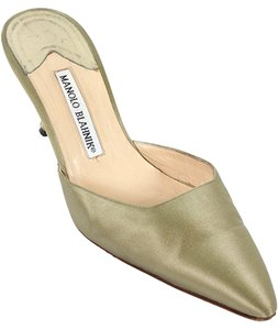 Manolo Blahnik Silk Satin Pointed Toe Evening Party Taupe, Champagne Mules