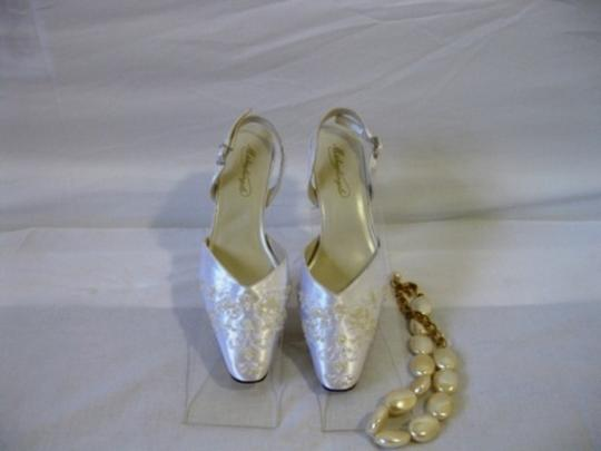 Michaelangelo Bridal Shoes Size 6 White Satin Embroidered Beads Slingback Wedding Shoes
