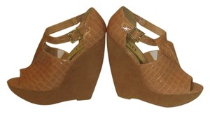 XOXO tan Wedges