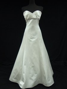 Romona Keveza Diamond White Silk Satin Trumpet Gown with Sweetheart Neckline Wedding Dress Size 10 (M)