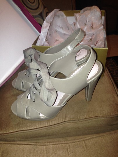 Bisou Bisou Gray Platforms