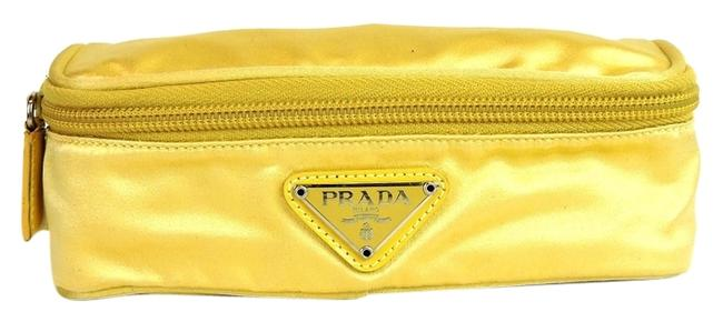 Item - Cosmetic Zipper Pouch Purse Made In Italy Light Yellow Satin Clutch