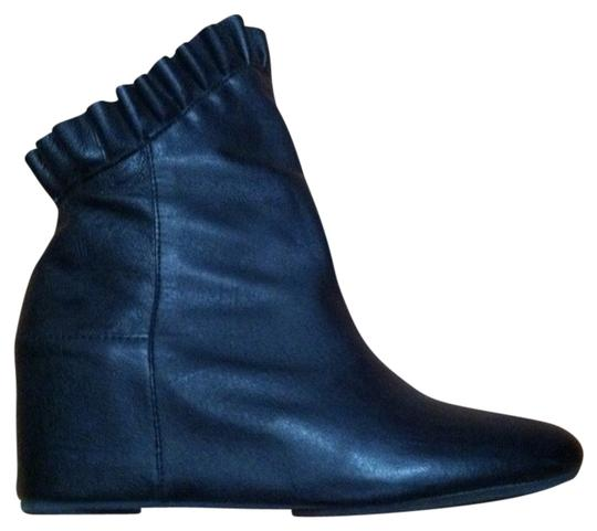 N.Y.L.A. Size 7 black Boots