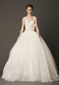 Vera Wang Lisa Wedding Dress