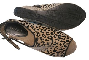 Kenneth Cole Reaction Leopard print Wedges
