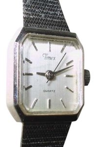 Timex Timex Quartz Lady's Square Dress Watch has a NEW Battery - RUNNING with a 60 Day Guarantee!!!