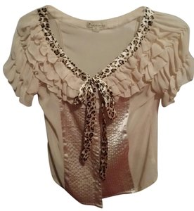 Forever 21 Twenty One Top Light tan/cream colored with leopard trim