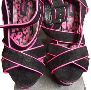 Dollhouse Black and pink Platforms