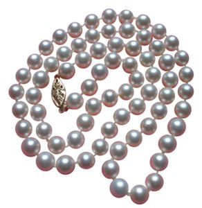 Other 25 inch matinee length cultured pearl necklace containing 72 pearls