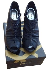 Journey Bamboo Black Boots