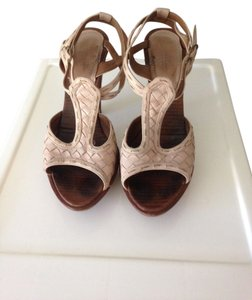 Bottega Veneta Made In Italy Calf Leather Blush Pumps