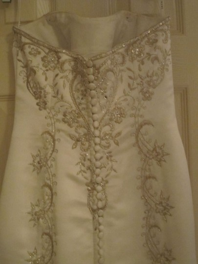 Ivory Other Haute Couture Traditional Wedding Dress Size 2 (XS)