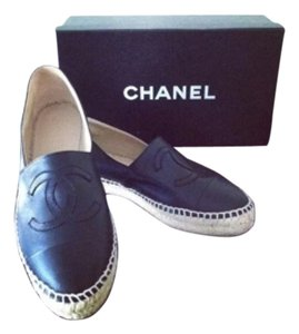 Chanel espadrilles 2015 - navy blue size 39. These are new in box. Navy Flats