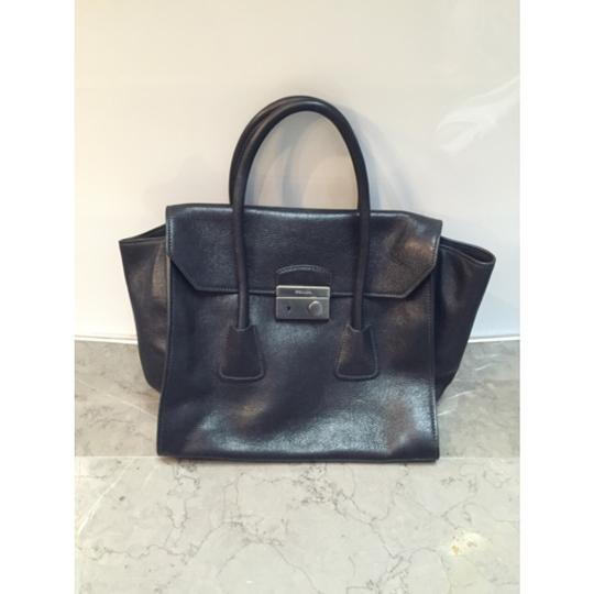 Prada Leather Tote in black Image 1