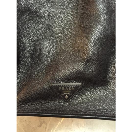 Prada Leather Tote in black Image 5