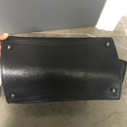 Prada Leather Tote in black Image 7