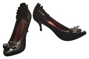 Crown Vintage Black Pumps