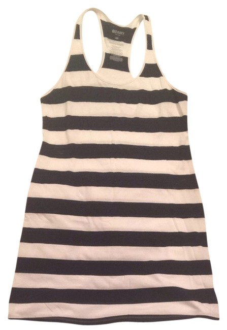 Preload https://item1.tradesy.com/images/old-navy-black-and-white-short-casual-dress-size-12-l-750830-0-0.jpg?width=400&height=650