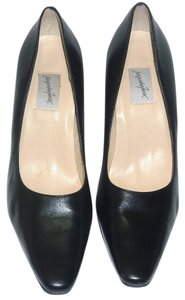 Jacqueline Ferrar Black Pumps