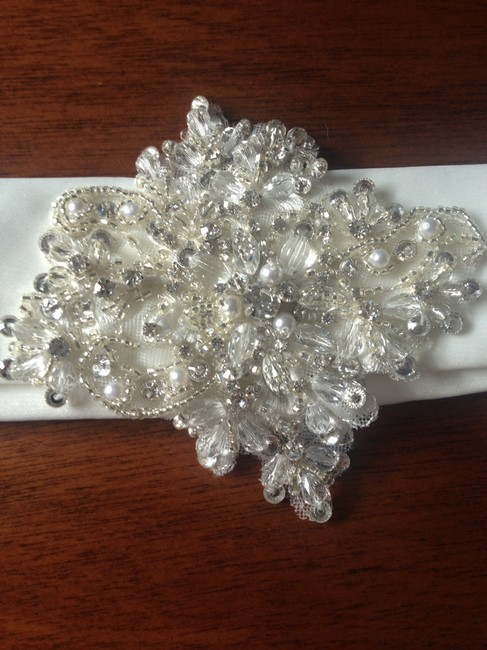 Item - Ivory Belt with Large Diamond Shaped Crystal Pearl and Rhinestone Applique On An Organza Sash