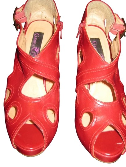 Cleopatra Red Pumps