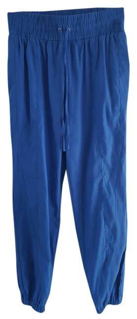 Preload https://img-static.tradesy.com/item/7524547/bebe-blue-baggy-pants-size-2-xs-26-0-1-650-650.jpg