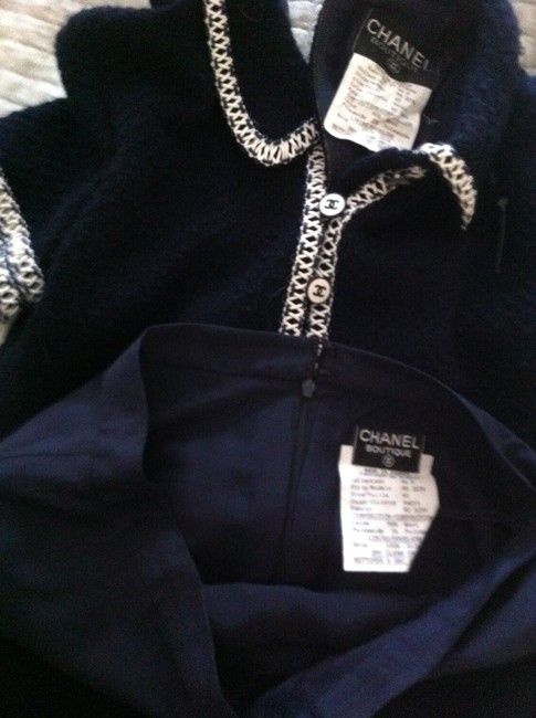 Chanel Chanel Wool Skirt Set with Navy/White Vinyl Trim Image 4