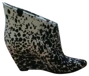 Sigerson Morrison Black And White Boots