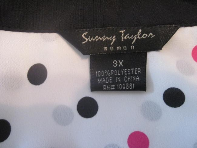 Susan Taylor Plus-size Pleated Polka Dot Top white, black, pink