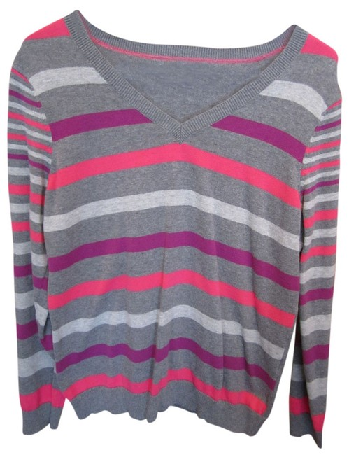 Preload https://item3.tradesy.com/images/izod-grey-large-longsleeve-striped-v-neck-sweaterpullover-size-12-l-753082-0-0.jpg?width=400&height=650