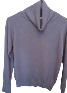 Medowbank Vintage Cashmere Like Medium Turtleneck Soft Sweater
