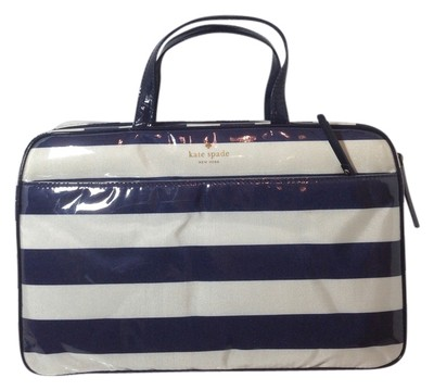 Kate Spade Navy Ivory Cosmetic Bags 13 Off Kate Spade Accessories Tradesy