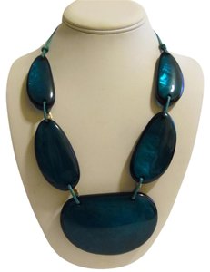 21 Inch Resin Stone Statement Necklace with 2 inch Extender