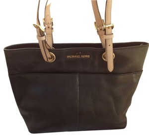 Michael by Michael Kors Jet Set Black Leather Tote in Black/Gold