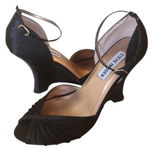 Steve Madden Formal Black Wedges