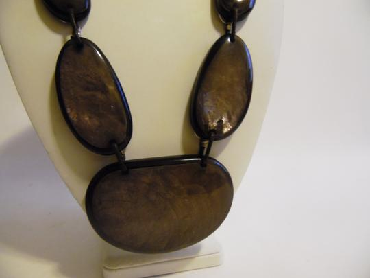 Other 21 Inch Resin Stone Statement Necklace Image 4