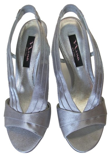 Nina Size 7.50 M Good Condition Silver Sandals Image 0