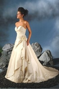 Essence Collection By Bonny Wedding Dress