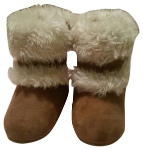 Michael Kors Bootie Boot Ultra Mini Tan with fur lining size 2 Boots