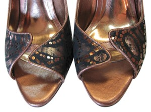 Carlos by Carlos Santana Size 7.50 M Leather Very Good Condition Copper, Black Pumps
