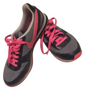 Nike Pink, black Athletic