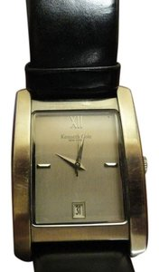 Kenneth Cole Classic Style Kenneth Cole Women's Watch Like New with New Band Accurate Time