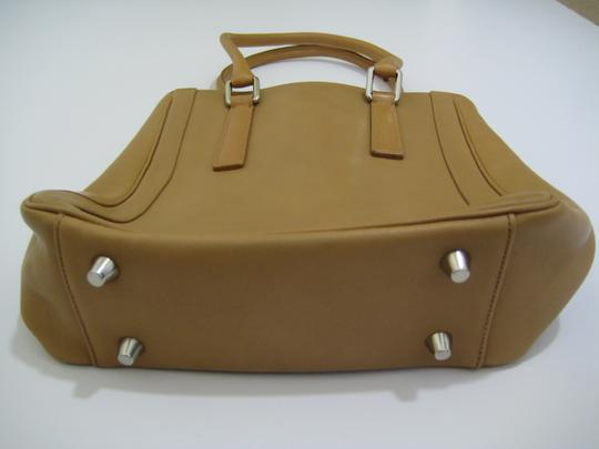 Coach Tote in Camel Brown