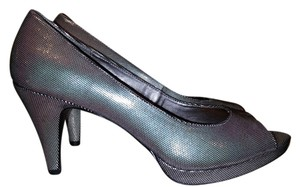 Bandolino Pewter/ Black Pumps