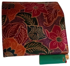 ambiguous Handcrafted Tooled Leather Wallet: India