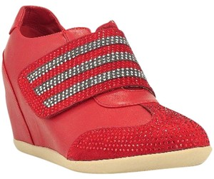 Fashionette Style Boutique Red Wedges